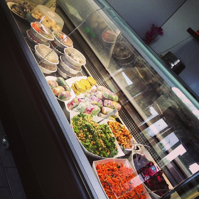 It's Friday and we are ready for you, come and get it! Cupcakes, wraps, main dishes, powerballs, salads and fresh bread #glutenfree #vegan #soyfree #plantbased #plantprotein #mtl #beaconsfield #westisland