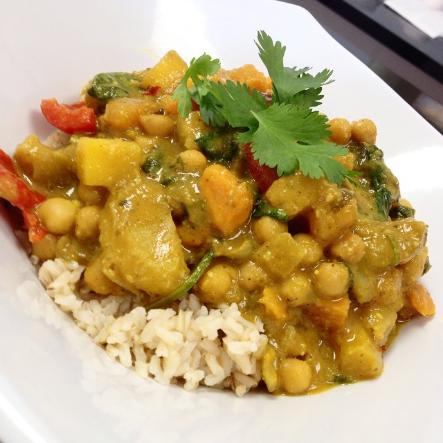 Main dish of the day: Caribbean stew with roasted plantains, sweet potatoes, spinach, mangoes, pineapple, chickpeas and bell peppers served over brown rice #glutenfree #vegan #dairyfree #soyfree #plantbased #plantprotein #caribbeanvegan #healthy