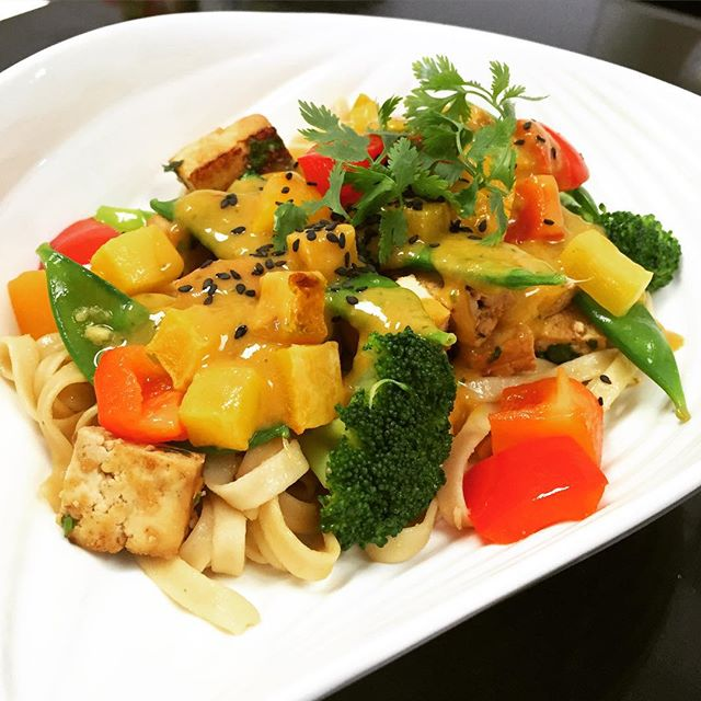 Main dish of the day: Tofu pad Thai with brown rice flat noodles, sautéed broccoli, snow peas, bell peppers, roasted squash and covered with our pad Thai sauce #glutenfree #vegan #allnatural #nopreservatives #nosulfites #wheatfree #wholegrain #healthy #nomsg @allaboutveganfood @veganfoodlovers @veganfoodshare