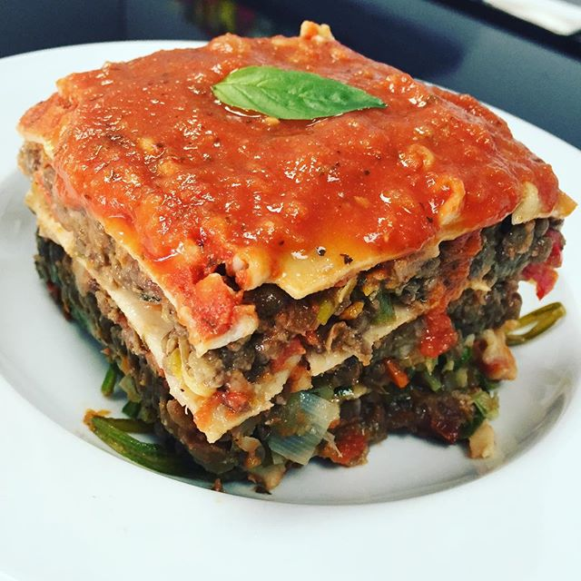 Our lasagna today has sautéed leeks, sundried tomatoes, bell peppers, portobello mushrooms, spinach and meaty lentil mix #glutenfree #vegan #soyfree #lasagna #glutenfreelasagna #veganlasagna #wheatfree #wholegrain
