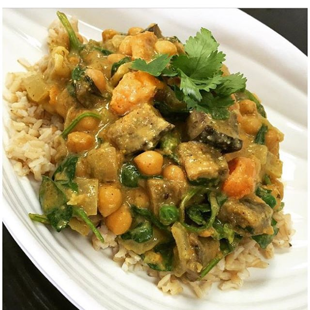 South Indian curry today #ginger #guiltfree #glutenfree #coconut #southindiancurry #indianfood #dairyfree #vegan #wheatfree #wholegrain #plantbased #plantprotein