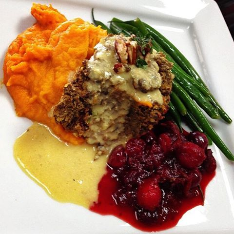 Happy Thanksgiving! Available today is our lentil apple loaf with miso gravy, mashed roasted sweet potato and carrots, sautéed string beans and house cranberry orange sauce #glutenfree #vegan #dairyfree #veganthanksgiving #wheatfree #fall #hearthealthyfood #noanimalcruelty #hearthealthyfood @veganfoodshare @veganfoodlovers