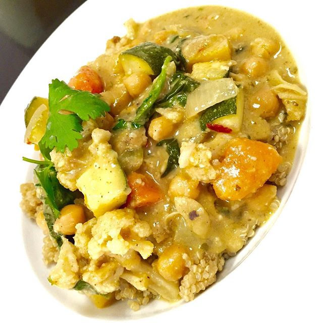 Thai green curry today with spinach, zucchini, cauliflower, sweet potatoes and chickpeas simmered in a Thai basil coconut broth served over quinoa #glutenfree #vegan #dairyfree #coconutmilk #wheatfree #hearthealthyfood #healthyingredients #thaiveganfood