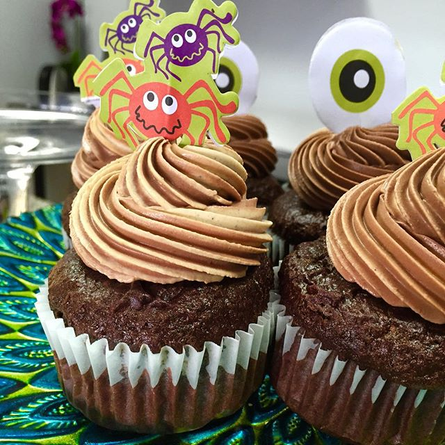 Double chocolate pumpkin spice Halloween cupcakes today #glutenfree #vegan #wheatfree #wholegrain #dairyfree #veganhalloween #glutenfreehalloween