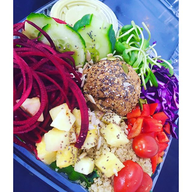 Lunchtime! #fresh #superbowl #saladmeals #healthy #hearthealthy #healthychoices