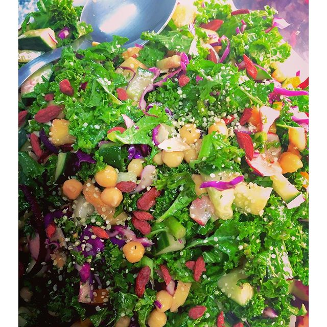 Super antioxidant immune boosting kale salad with goji berries, hemp seeds and a whole lot of freshness #glutenfree #vegan #fresh #salad #cleaneatingforlife #antioxidants #immunebooster