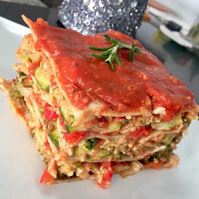 """We have the most deliciousness """"meaty"""" tempeh & chickpea meat lasagna with layered veggies  I have to say this is a must try! #glutenfree #vegan #dairyfree #veganlasagna #glutenfreelasagna #plantbased #cleaneating #wholegrain #plantprotein #veganfoodshare #whatveganseat"""