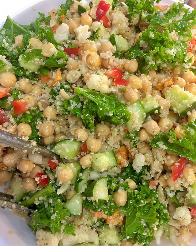 Quinoa salad with roasted cauliflower, sweet potatoes, kale and a whole lots of deliciousness #glutenfree #vegan #dairyfree #quinoa #kale