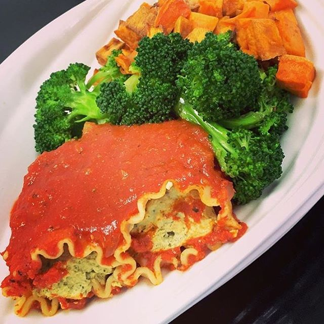 """Spinach """"ricotta"""" manicotti with roasted sweet potatoes and steamed broccoli today #glutenfree #vegan #dairyfree #cleaneating #plantbased #plantstrong"""