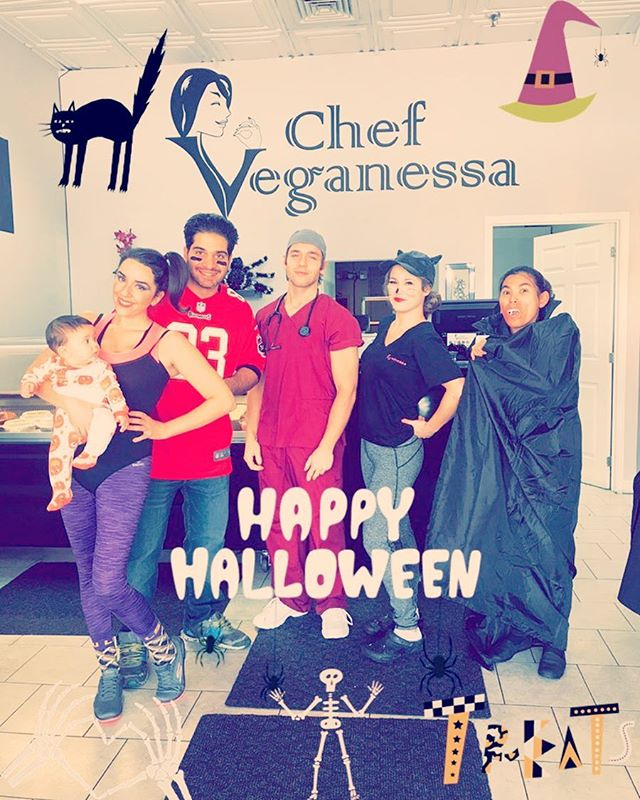 Happy Halloween from Chef Veganessa! We are open until 7pm and handing out mini cupcakes and don't forget to send it your child's costume pic to info@veganessa.ca for your chance to win 12 cupcakes#teamspirit #chefveganessa #mtl #mtlvegan #veganhalloween