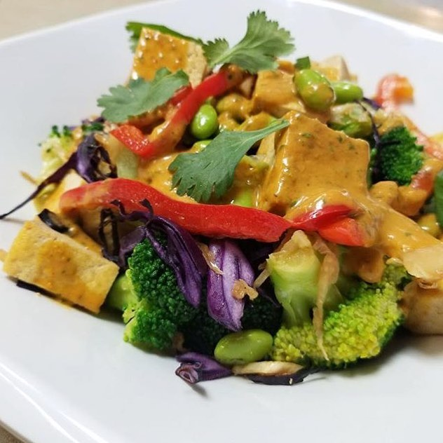 Our main dish today is a tofu peanut sauté! #glutenfree #vegan #dairyfree #plantbased #plantbaseddiet #cleaneating