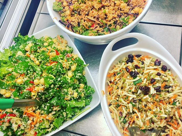 Come and get your salad own #glutenfree #vegan #dairyfree #vegansalad #soyfree #plantbased #plantbaseddiet #plantprotein