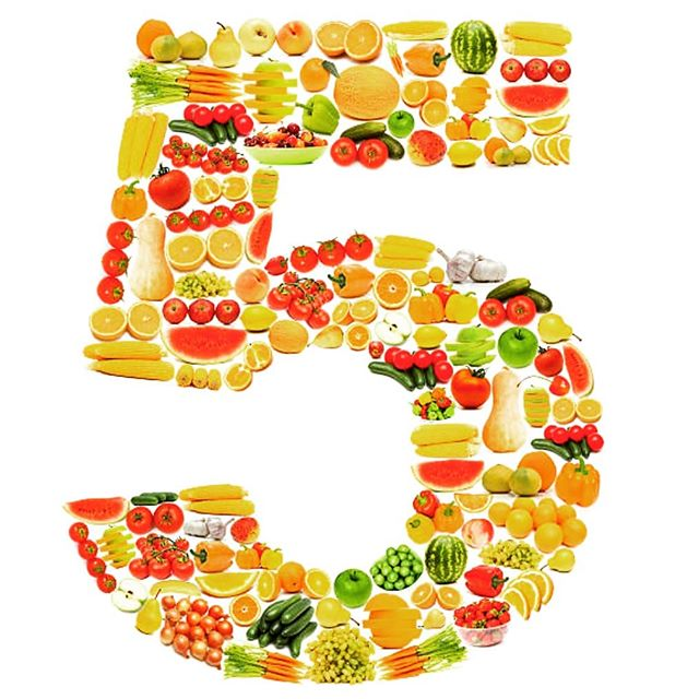 CHEF VEGANESSA celebrates 5 years in business today!!! We thank you dear customers for choosing us as your healthy go to plant based meals! #familyownedbusiness #mtlbusiness #5years